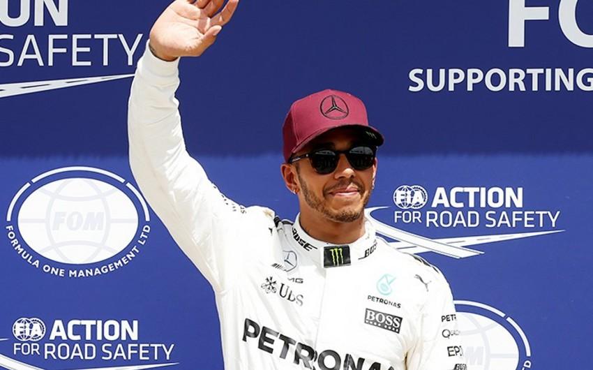 Хэмилтон выиграл Гран-при Формулы-1 в Канаде