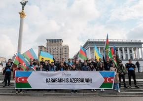 Azərbaycanlı gənclər Kiyevdə aksiya keçirib