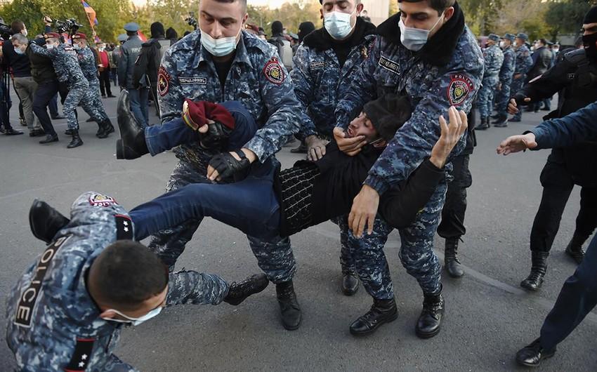 Ermənistan bloku hakimiyyətdən terror və zorakılığı dayandırmağı tələb edib