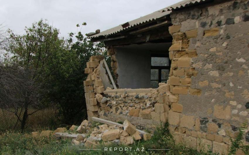 Ermənilərin atdığı mərmi Goranboyda yaşayış evlərinə zərər vurub