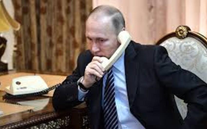 Rusiya prezidenti Karen Karapetyanla Ermənistandakı böhranın həlli yollarını müzakirə edib