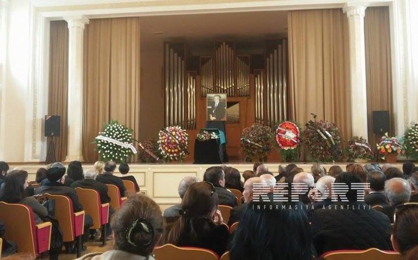 Состоялась церемония прощания с Рамизом Миришли
