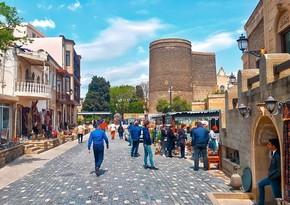 Турпоток в Азербайджан сократился более чем втрое