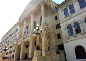 Прокуратура расследует переписку молодой девушки, покончившей с собой в Баку