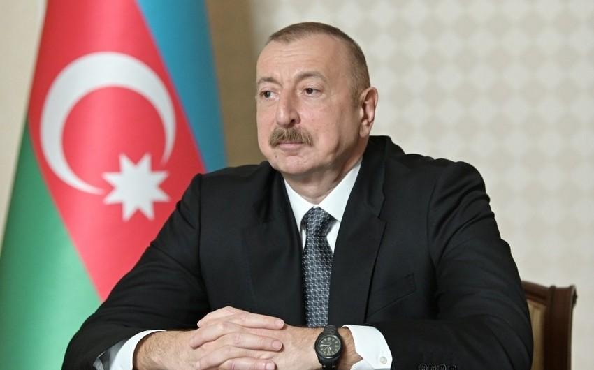 Prezident İlham Əliyev: Biz bu virusla yaşamalı olacağıq