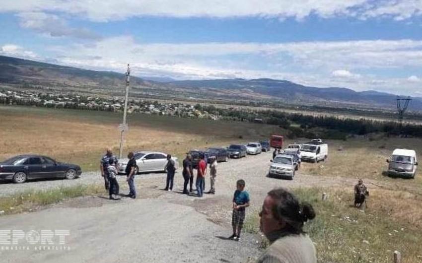 Gürcüstanda azərbaycanlılar yaşayan kəndin yolu bağlanıb, sakinlər aksiya keçiriblər