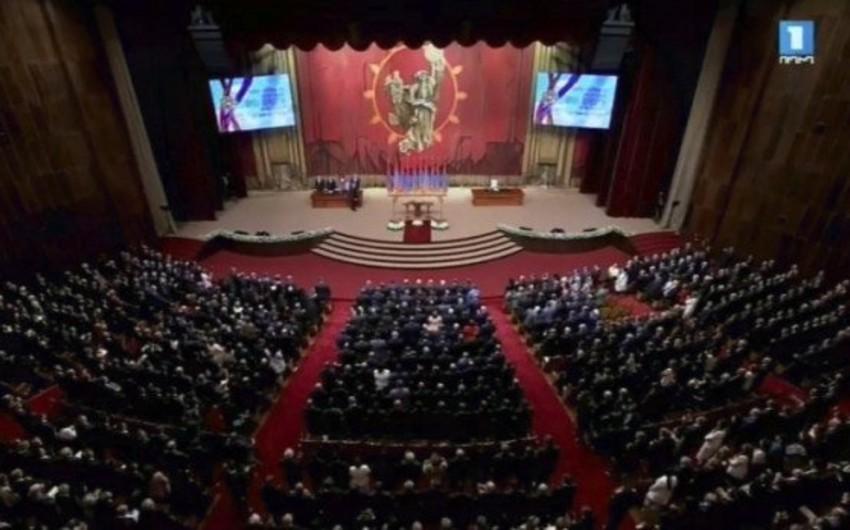 Ermənistanın yeni prezidenti and içib