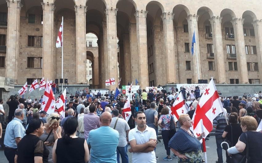 Tbilisidə etirazçılar və müxalifətin birgə aksiyası başlayıb - YENİLƏNİB