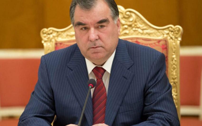 Tacikistanın dövlət başçısı Prezident İlham Əliyevi təbrik edib