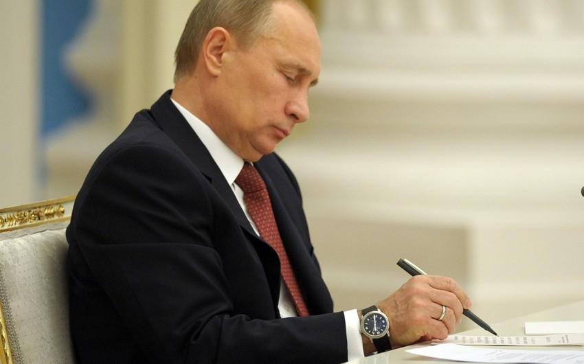Putin Ermənistanın AİB-ə üzv qəbul edilməsi haqda sənədi imzalayıb