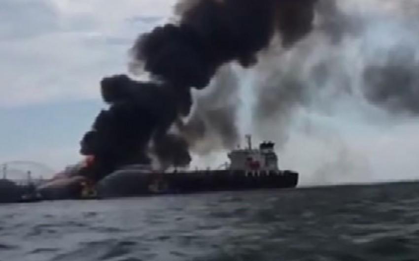 Meksika körfəzində 168 min barel neft daşıyan tankerdə partlayış baş verib