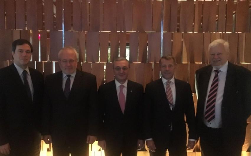 Ermənistanın XİN başçısı Nyu-Yorkda ATƏT MQ-nin həmsədrləri ilə görüşüb