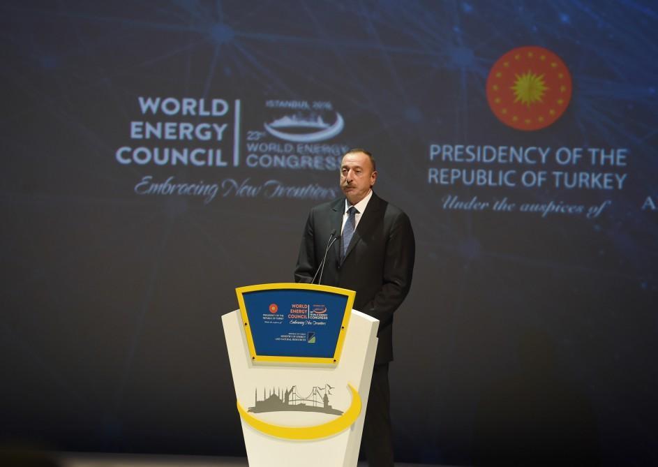 Президент Ильхам Алиев: Турецкий народ тесно сплотился вокруг Эрдогана и проявил героизм