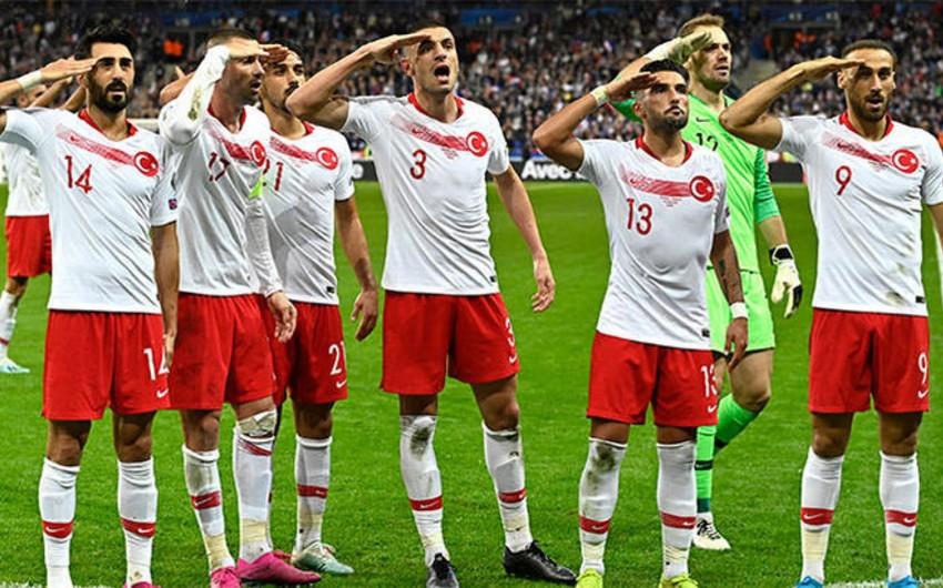 UEFA əsgər salamına görə Türkiyə millisinə cəza verməyib