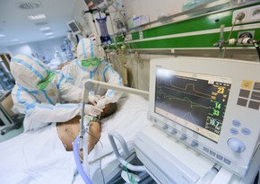 В Азербайджане за сутки коронавирусом заразились 2 420 человек