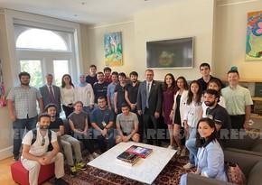 Хазар Ибрагим встретился с азербайджанскими студентами в США