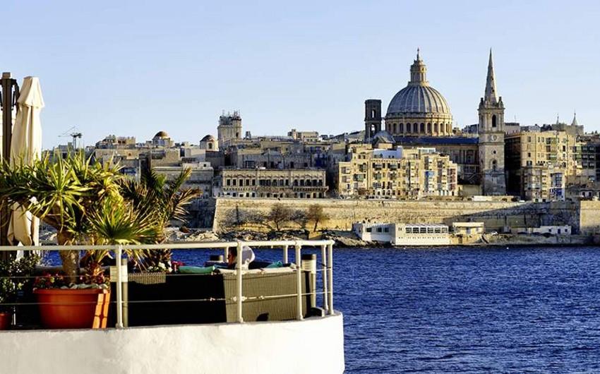 Malta to ban unvaccinated travelers