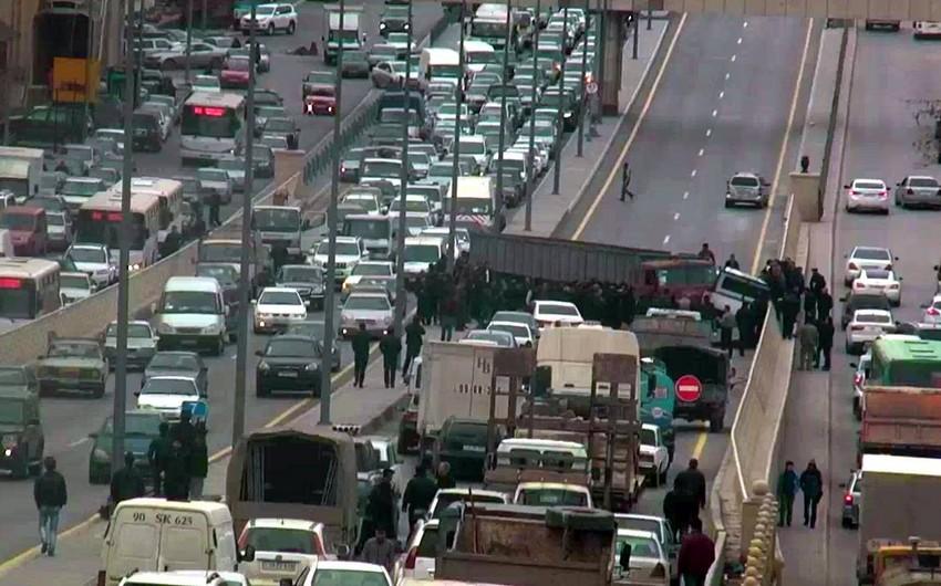 Azərbaycanda yol hərəkəti qaydalarının pozulmasına görə yeni cəzalar müəyyənləşdirilib - SİYAHI