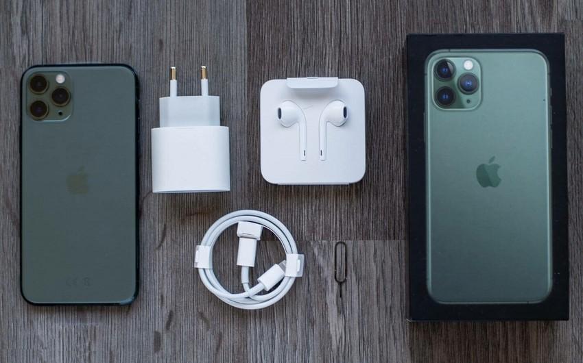 Apple вернет зарядное устройство в комплект поставки iPhone 12