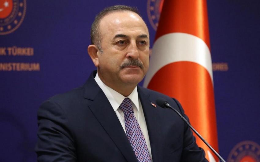Türkiyə XİN başçısı Azərbaycan səfirliyini ziyarət edib