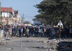 Riots kill 212 in South Africa