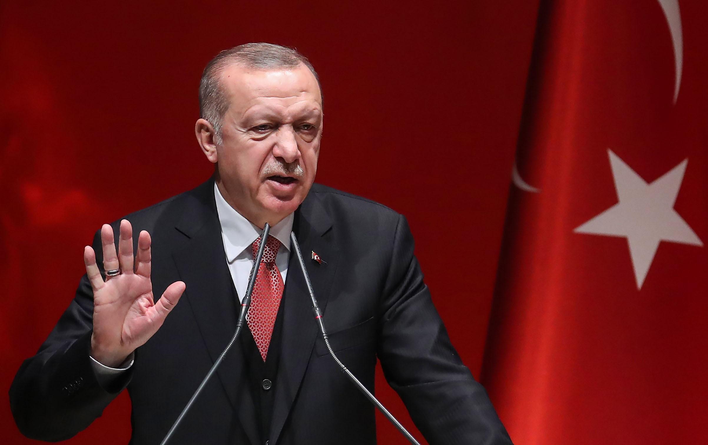 Турция эвакуирует азербайджанцев из эпицентра распространения коронавируса в Китае