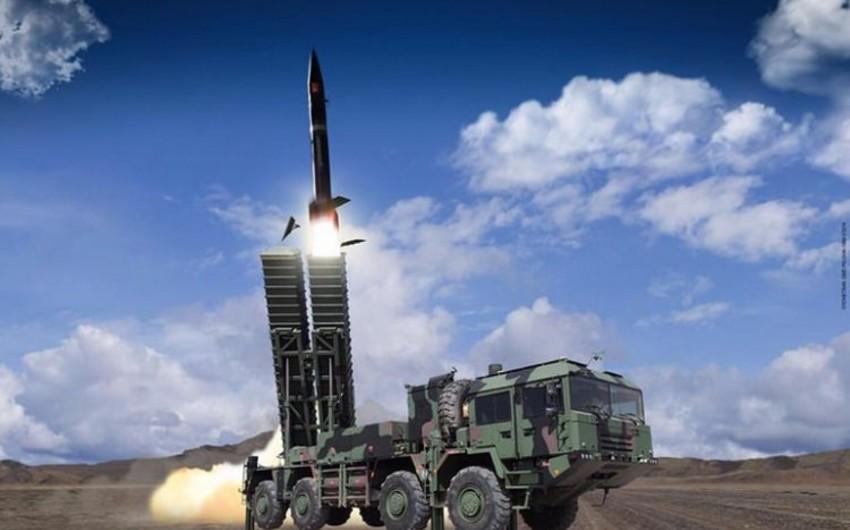 Türkiyə ilk dəfə uzaq mənzilli raketi sınaqdan keçirib