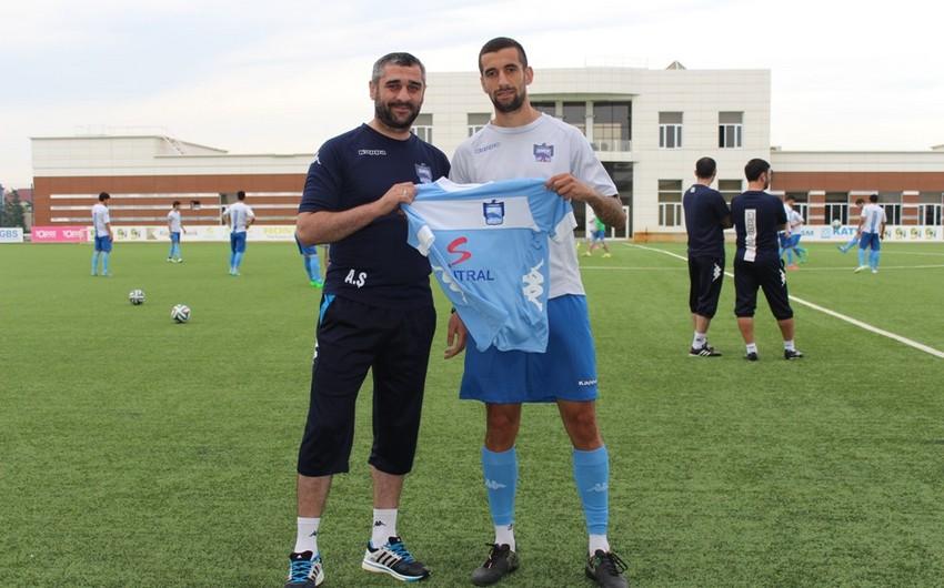 Paytaxt klubu serbiyalı futbolçu ilə müqavilə imzalayıb