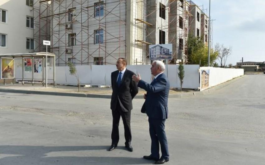 Президент Азербайджана ознакомился с работой по благоустройству и строительству в поселке Пираллахы