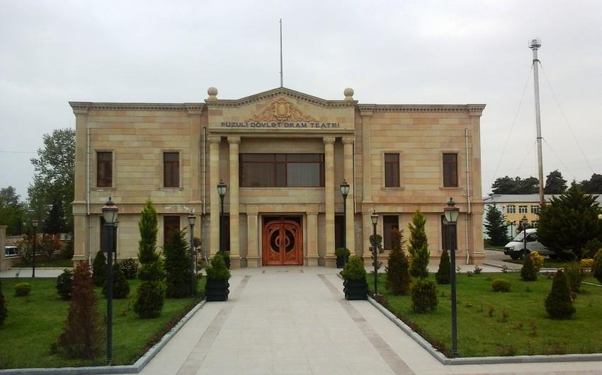 Füzuli teatrı Hacı Qəmbər tamaşasını nümayiş etdirib
