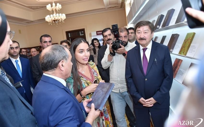 """Leyla Əliyeva """"Nəsimi Əlyazmaları dünya kitabxanalarında"""" sərgisinin açılışında iştirak edib"""