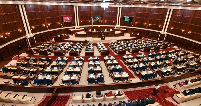 Azerbaijani parliament convenes extraordinary session