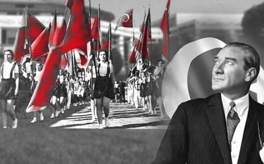 Bu gün Türkiyədə Atatürkü Anma, Gənclik və İdman Bayramı qeyd edilir