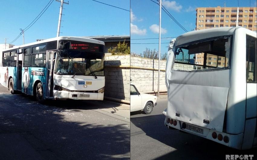Bakıda iki marşrut avtobusu toqquşub, xəsarət alanlar var - FOTO