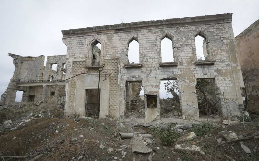 """""""Associated Press"""": Azərbaycanlı məcburi köçkünlər öz yurdlarına qayıtmaq arzusundadır"""