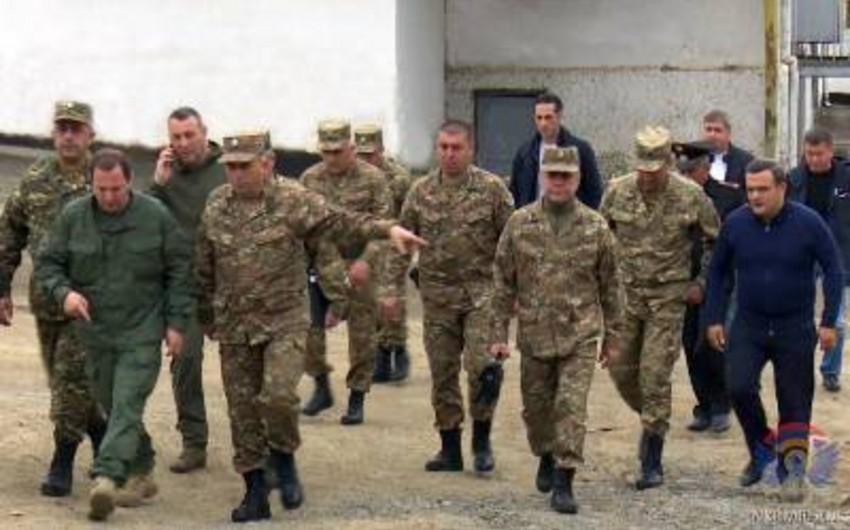 Министр обороны Армении прибыл в Карабах