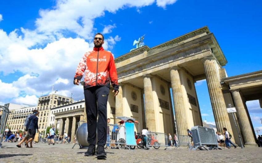 Ramil Quliyev: Son anda əllərimi qaldırmasaydım, Avropa rekordunu qıra bilərdim