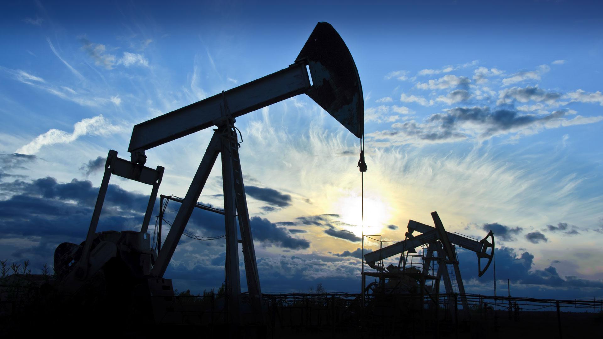 ABŞ nefti 13% bahalaşıb