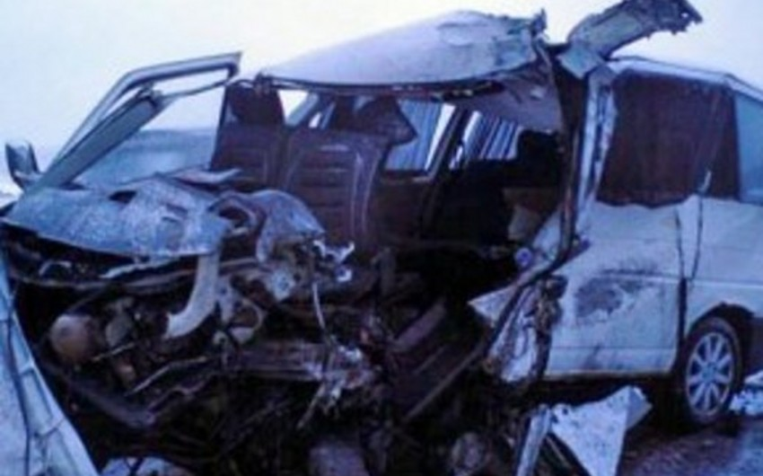 Rusiyada ağır yol qəzası: 3 ölü, 10 yaralı