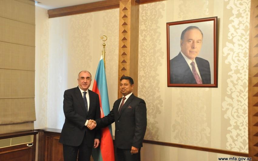 New Indian Ambassador presents credentials to Azerbaijani FM