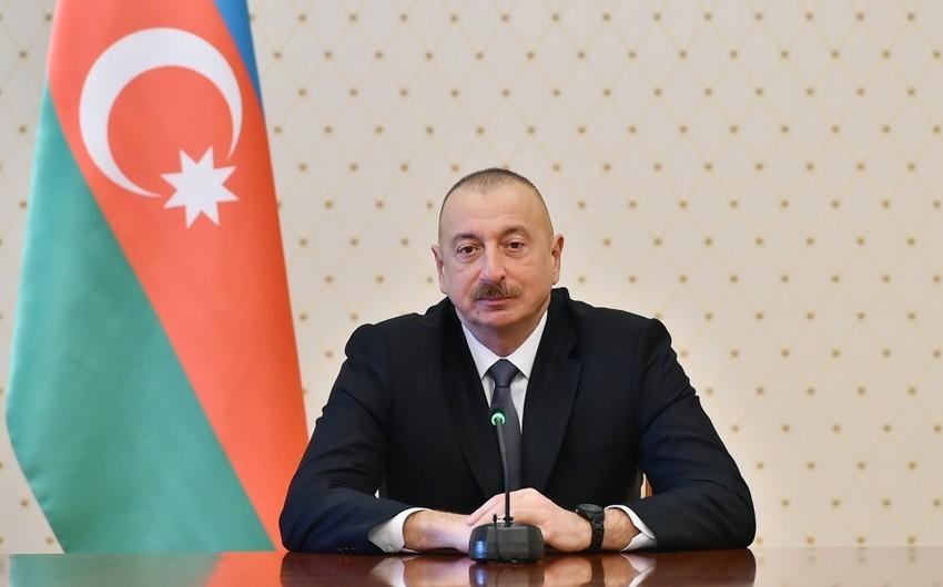 Prezident: Yeni inkişaf mərhələsinə qədəm qoyuruq