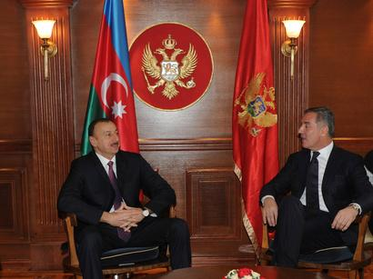 President Ilham Aliyev holds a meeting with PM of Montenegro
