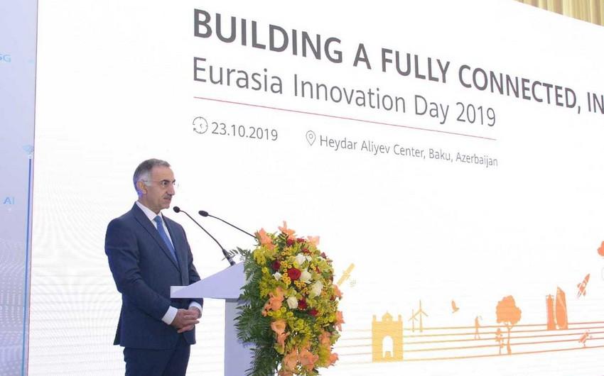 Elmir Vəlizadə: Azərbaycanda innovasiyaların əlaqəli və kompleks şəkildə inkişafı üçün strategiya hazırlanmalıdır