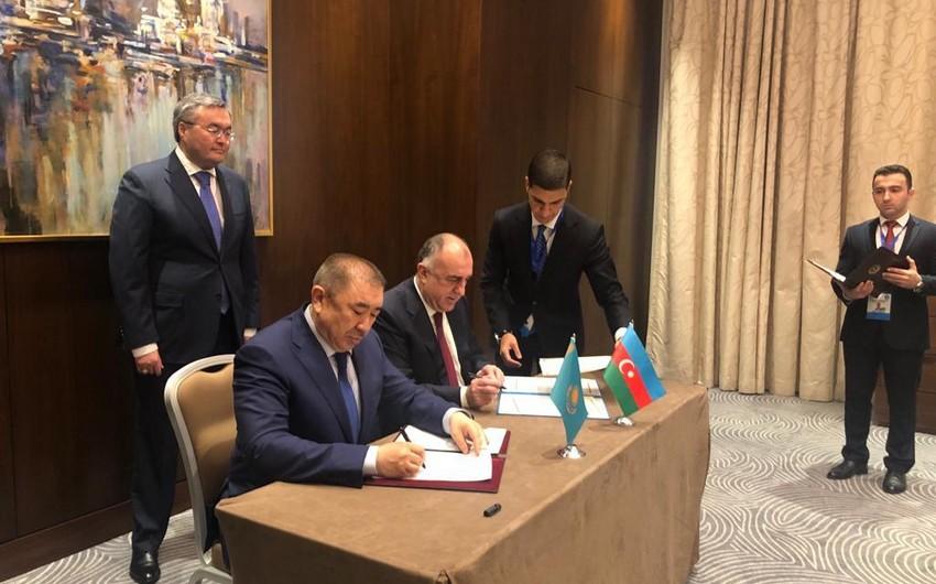 Граждане Азербайджана смогут дольше находиться в Казахстане без регистрации