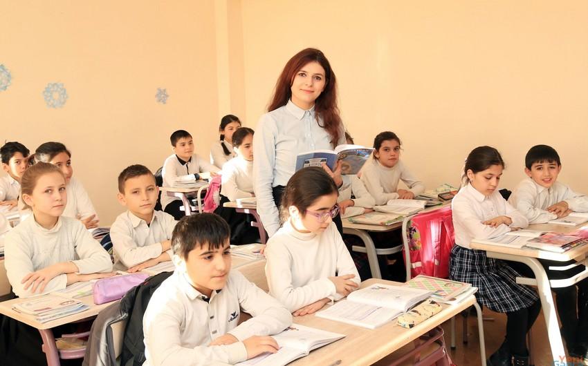 Ölkənin ümumi təhsil müəssisələrində müəllimlərin 80,7%-i qadınlardır