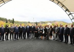 Ильхам Алиев и Мехрибан Алиева встретились с представителями общественности Зангилана