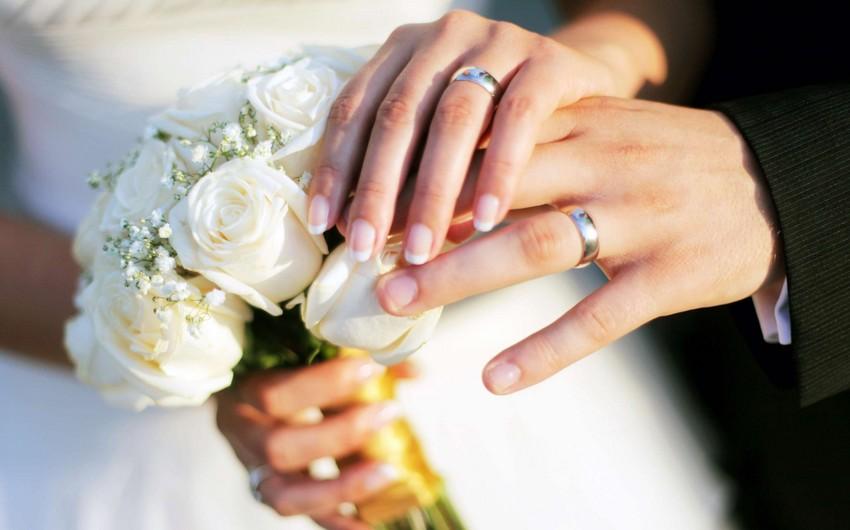Руководитель отдела регистрации предупреждает лиц, вступающих в брак без брачного контракта