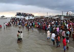 Banqladeşdə 50 sərnişinin olduğu gəmi batdı