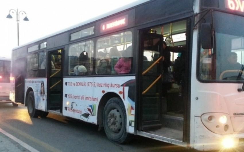 Bakıda iki sərnişin avtobusu toqquşub: 1 ölü, 13 yaralı
