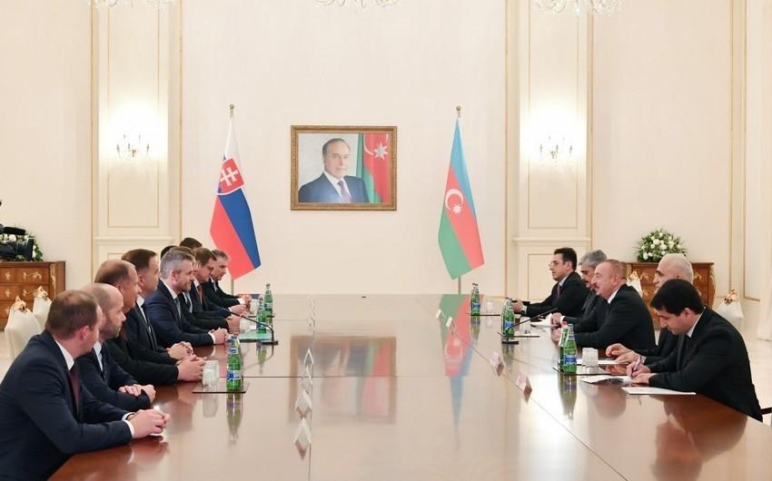 Azərbaycan Prezidenti və Slovakiyanın Baş naziri arasında geniş tərkibdə görüş olub
